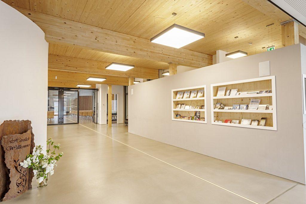 Planlicht-Commercial Interior 5 - Liha Square Pendant